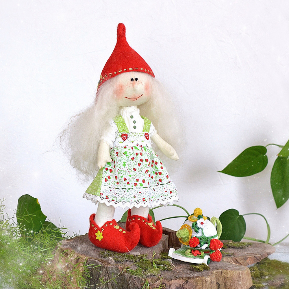 Elf doll Melian