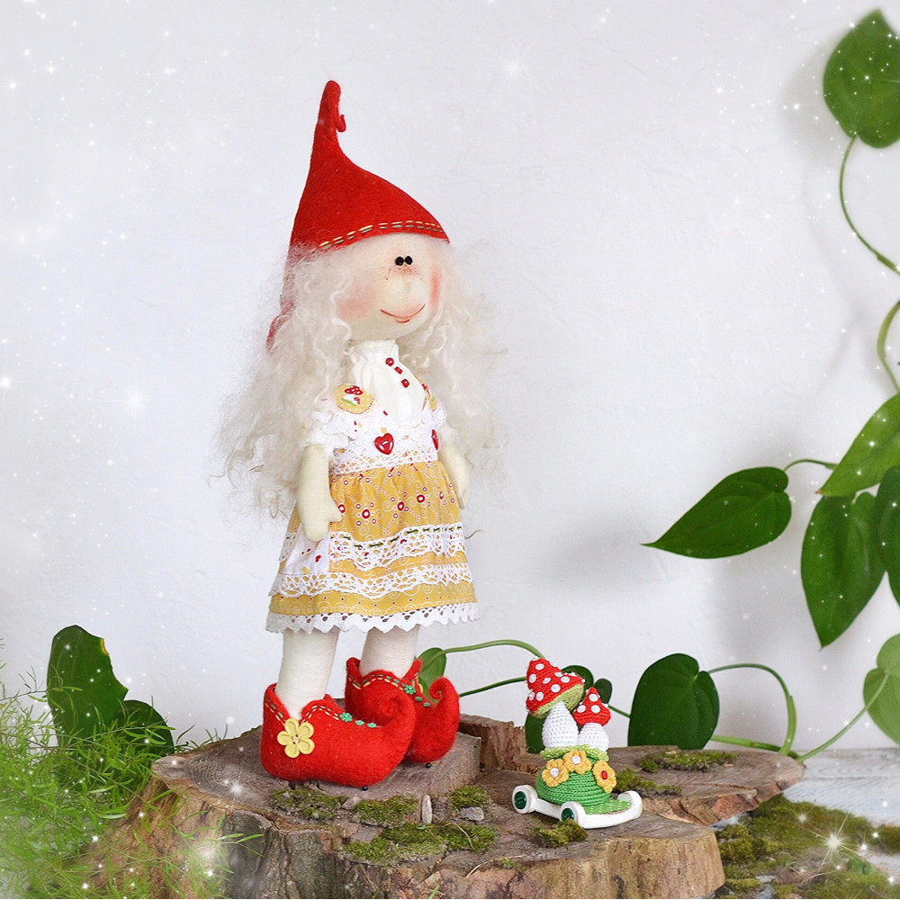 Elf doll Coue